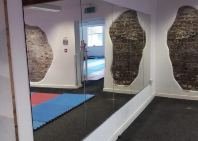 Commercial mirrors installation